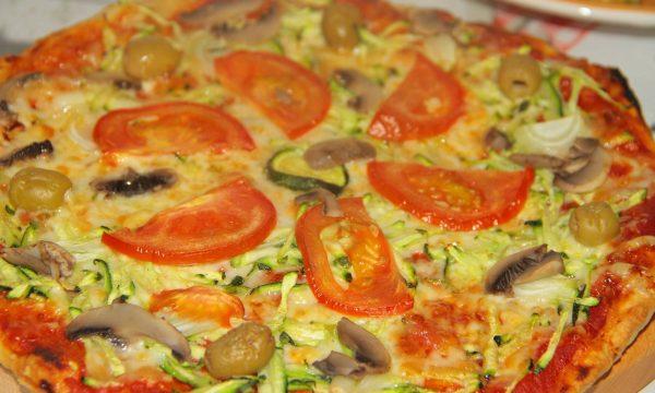 PIZZA CU ALUAT SUBTIRE SI CROCANT
