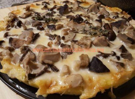 PIZZA DE MALAI CU CIUPERCI SI CASCAVAL